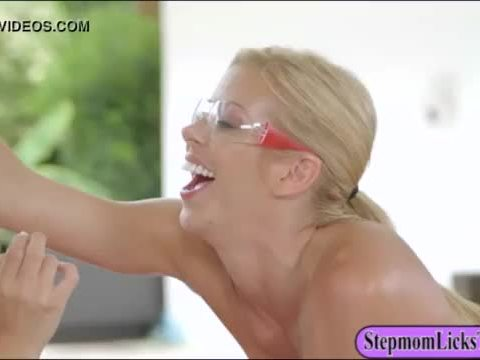 Alexis Deen and Alexis Fawx twat licking on the bed